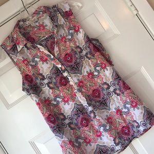 Fabulous paisley pattern sleeveless shirt